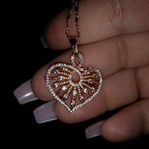 Beautiful heart necklace with CZ diamonds